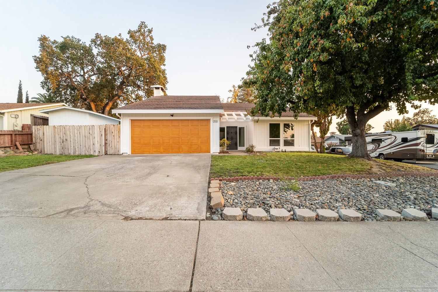 Photo of 7016 Mountainside Drive, Citrus Heights, CA 95621 (MLS # 221117420)