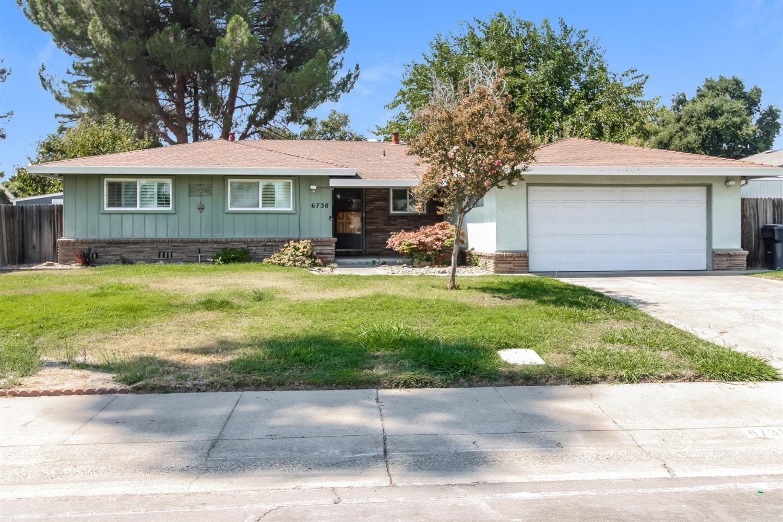 6738 Park Riviera Way, Sacramento, CA 95831 - MLS#: 221114421