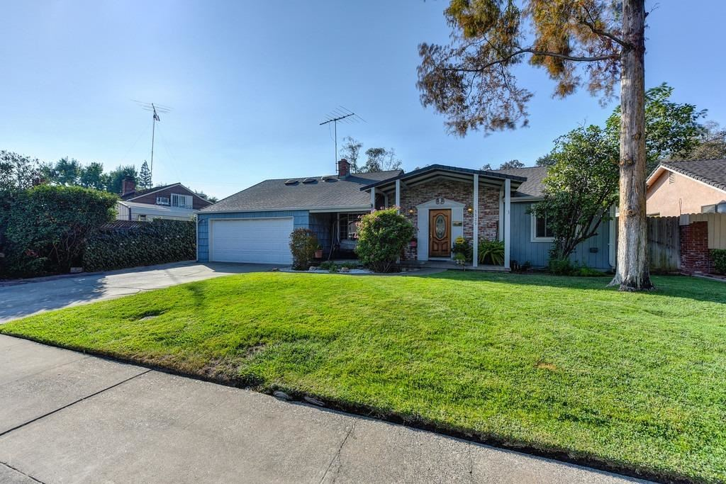 Photo of 5929 Parkoaks Drive, Citrus Heights, CA 95621 (MLS # 20060423)