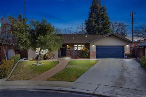 Photo of 808 Rio Vista Drive, Modesto, CA 95355 (MLS # 20077424)