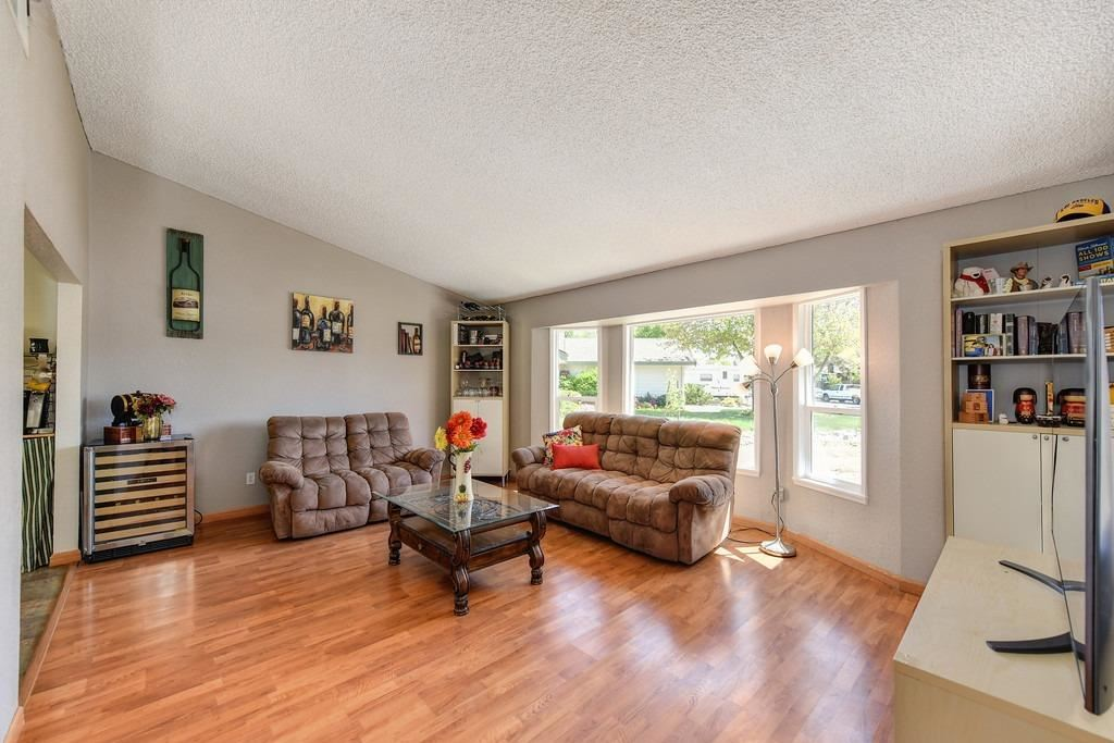 Photo of 109 Winchester Court, Folsom, CA 95630 (MLS # 221036441)