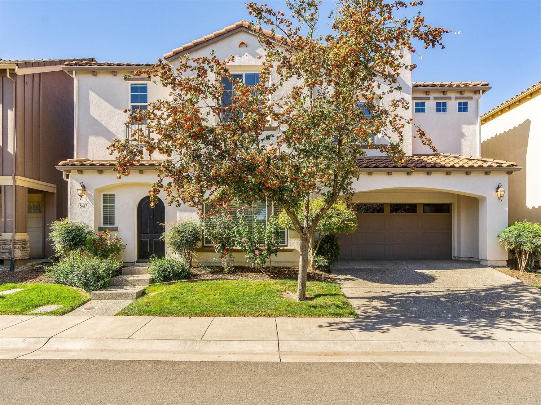 Photo of 5417 Knotty Pine Way, Sacramento, CA 95835 (MLS # 20063442)