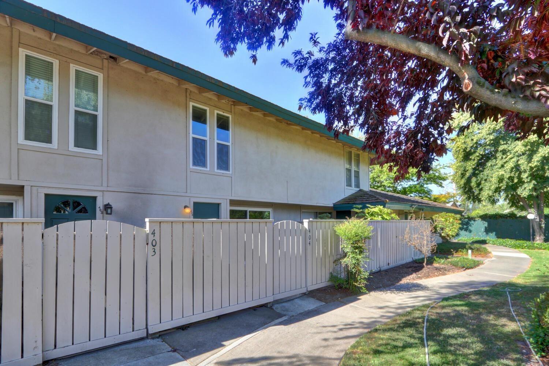 Photo of 404 Roundtree Court, Sacramento, CA 95831 (MLS # 221066442)