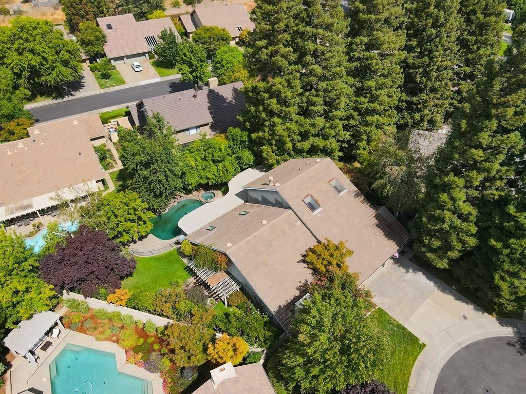 Photo of 1900 Placer Gold Court, Gold River, CA 95670 (MLS # 221133449)