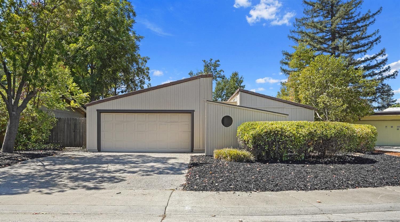 Photo of 5479 Wildflower Circle, Carmichael, CA 95608 (MLS # 221116450)