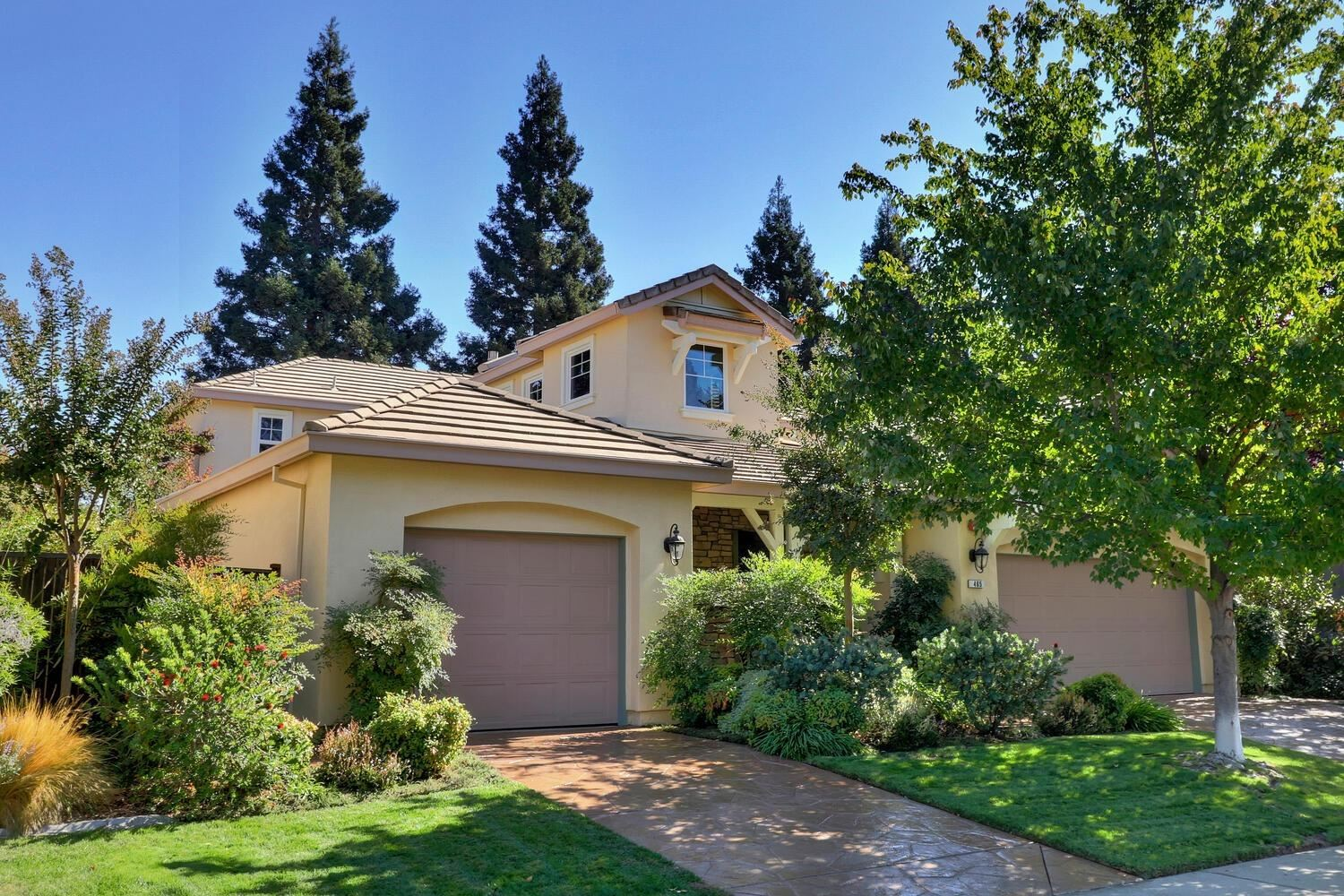 Photo of 465 Westlake Drive, West Sacramento, CA 95605 (MLS # 20062458)