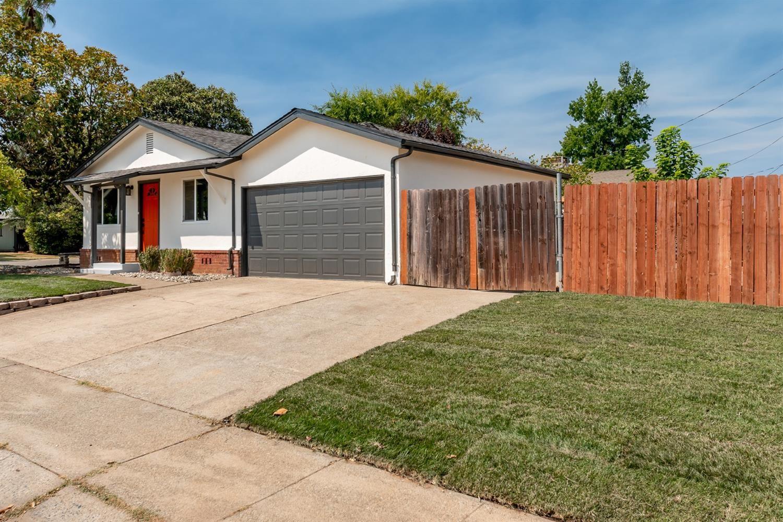 Photo of 1100 Hickory Street, Roseville, CA 95678 (MLS # 221118459)
