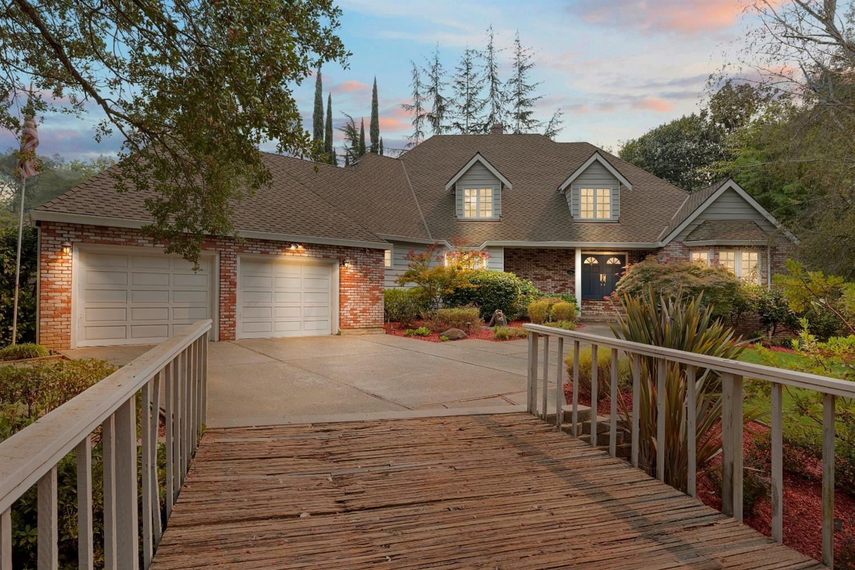 Photo of 4505 Woodmont Ct, Fair Oaks, CA 95628 (MLS # 221106461)