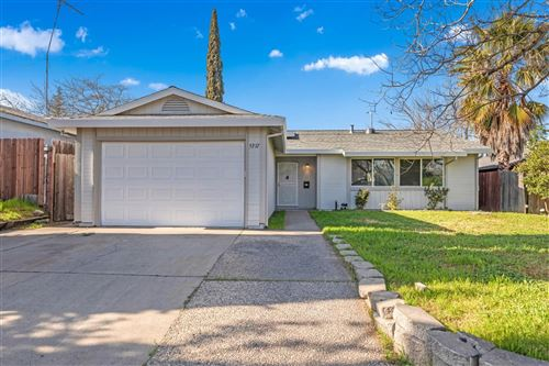 Photo of 5317 Bootjack Drive, Sacramento, CA 95842 (MLS # 221015464)