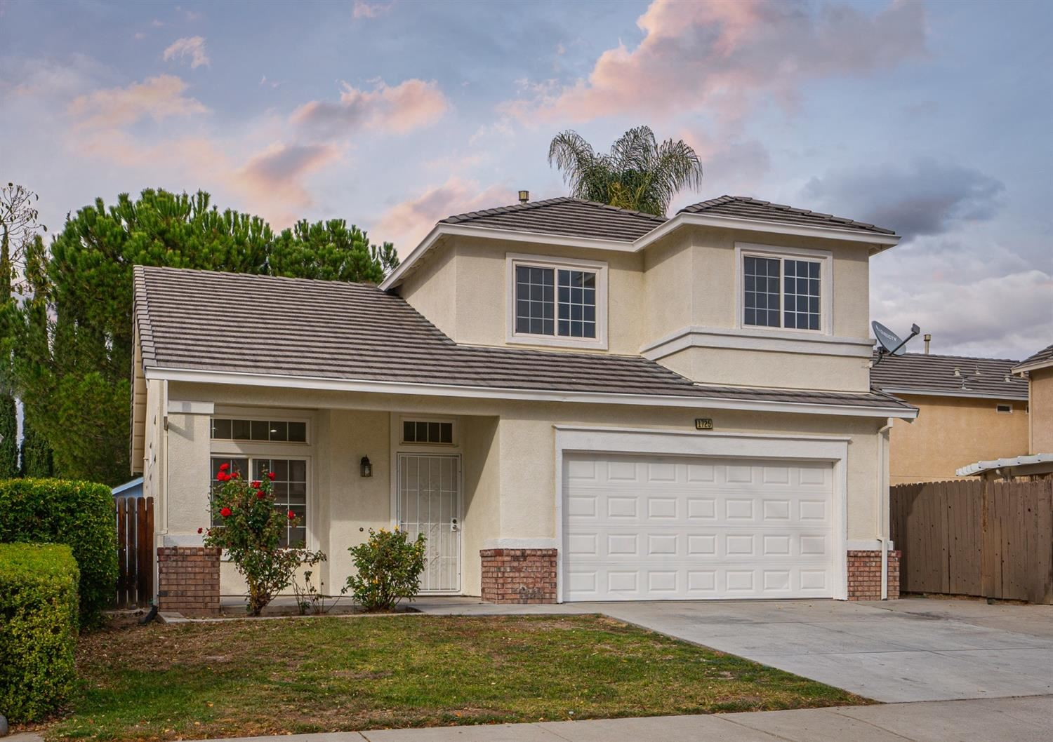 Photo of 1725 COUNTRYWOOD Lane, Tracy, CA 95376 (MLS # 221137464)