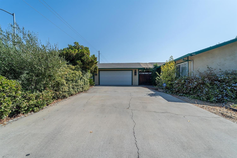 800 Monte Vista Avenue, Turlock, CA 95382 - MLS#: 221117470