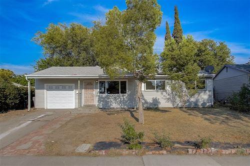 Photo of 2780 Wood Violet Way, Sacramento, CA 95822 (MLS # 221094471)