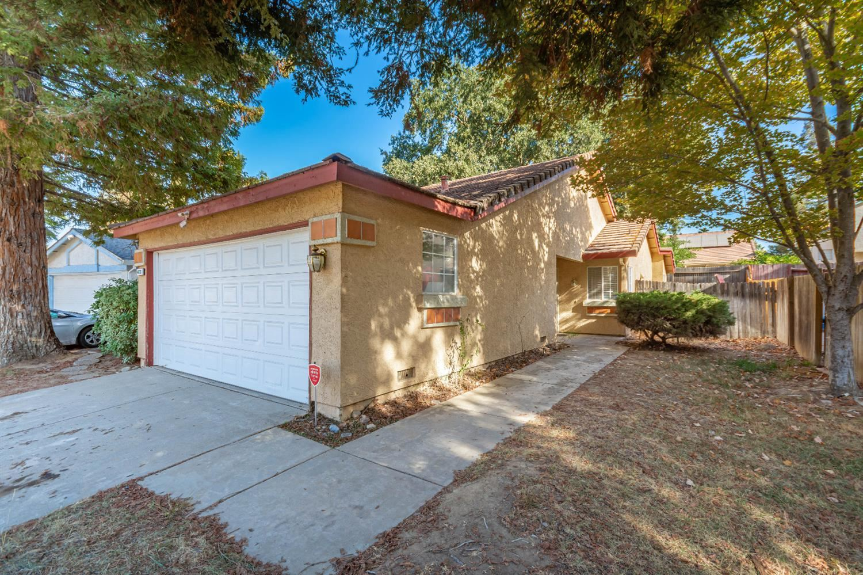 Photo of 4633 Meadors Court, Antelope, CA 95843 (MLS # 221113476)