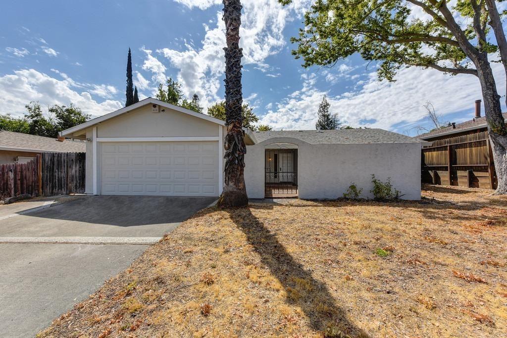 Photo of 6016 Birchglade Way, Citrus Heights, CA 95621 (MLS # 221108496)