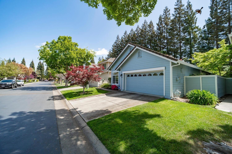 Photo of 312 Brightstone Circle, Folsom, CA 95630 (MLS # 221035498)