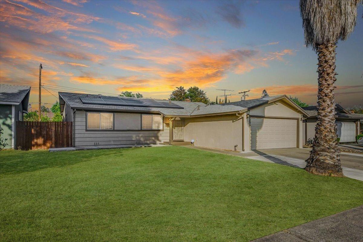 Photo of 2369 Coolidge Way, Rancho Cordova, CA 95670 (MLS # 221117502)