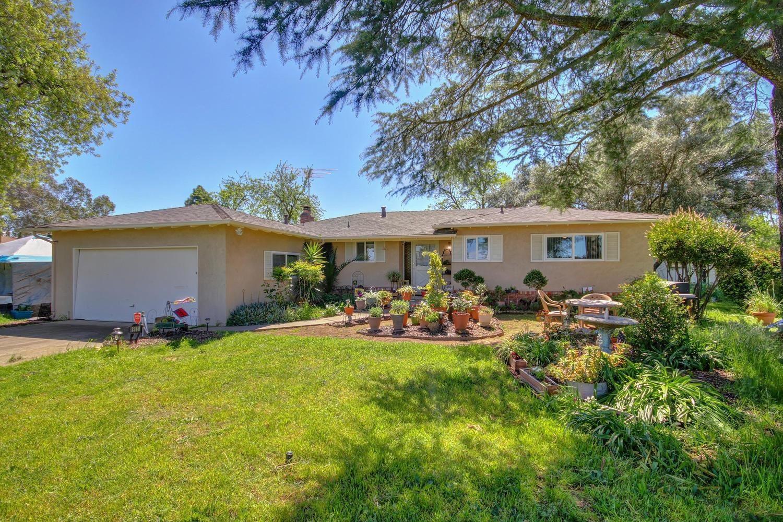 Photo of 8918 Campbell Road, Elk Grove, CA 95624 (MLS # 20037503)