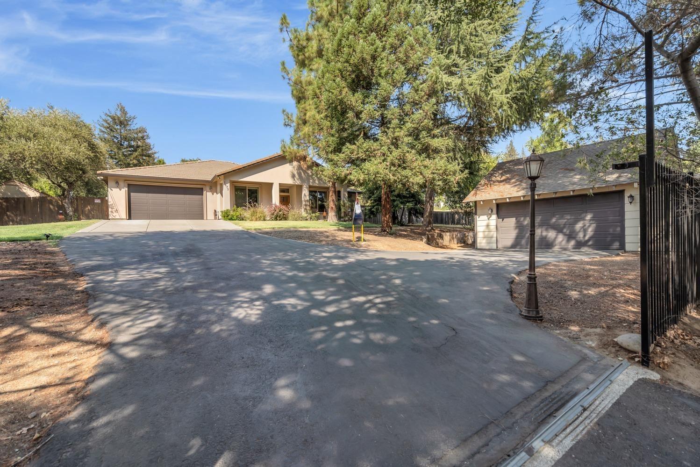 Photo of 7873 Winding Way, Fair Oaks, CA 95628 (MLS # 221116508)
