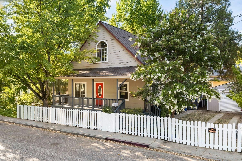 420 Oak Street, Grass Valley, CA 95945 - MLS#: 221076518
