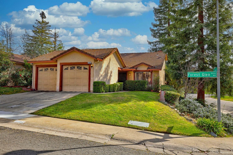 Photo of 8082 Forest Glen Way, Citrus Heights, CA 95610 (MLS # 221014519)