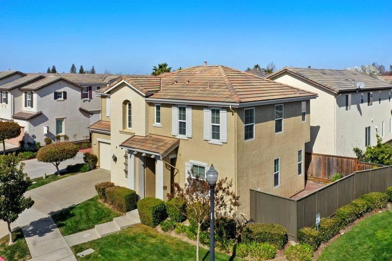 Photo of 331 Candela Circle, Sacramento, CA 95835 (MLS # 221013531)