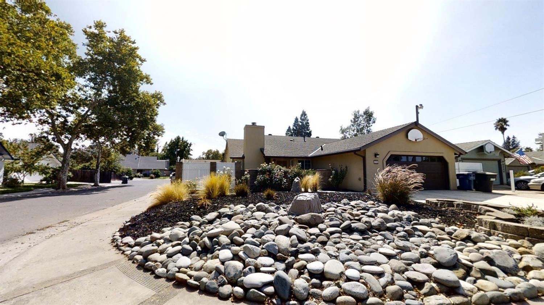 Photo of 5250 Roberston Avenue, Carmichael, CA 95608 (MLS # 20056534)