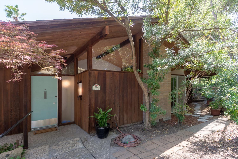 Photo of 7061 Pine View Drive, Folsom, CA 95630 (MLS # 221035537)