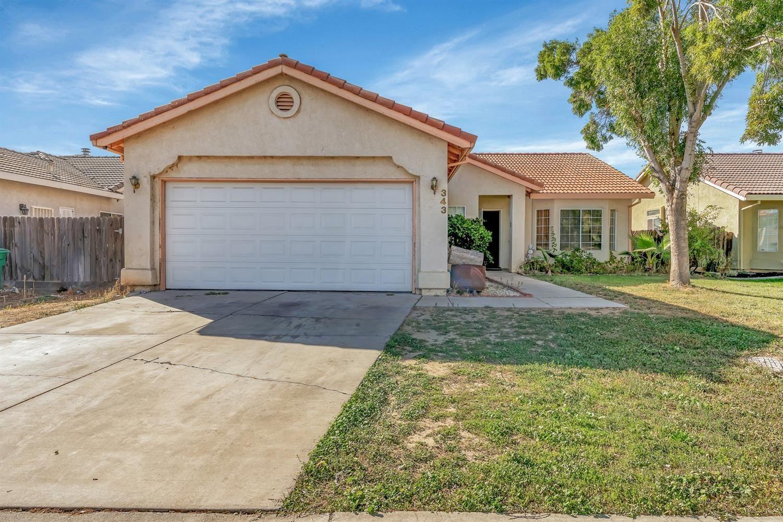 Photo of 343 Chestnut Street, Los Banos, CA 93635 (MLS # 221132537)