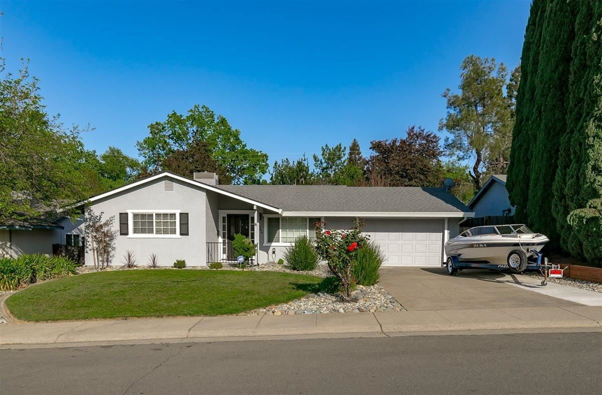 Photo of 5204 Chicago Avenue, Fair Oaks, CA 95628 (MLS # 221033538)
