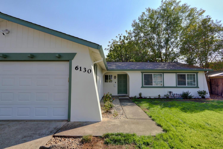 Photo of 6130 Pinecreek Way, Citrus Heights, CA 95621 (MLS # 221111543)