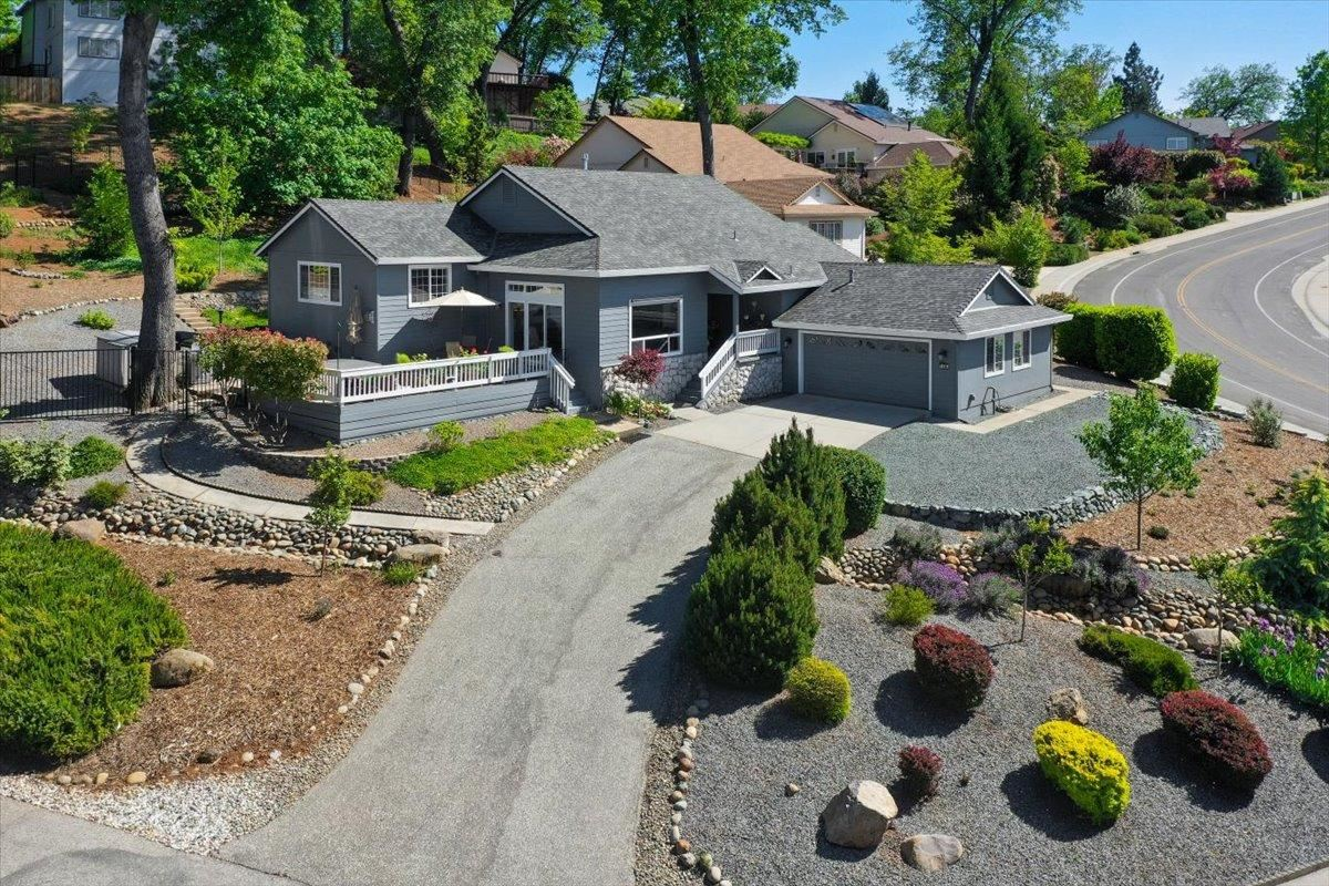 Photo of 108 Ruby Ledge Court, Grass Valley, CA 95945 (MLS # 221070544)