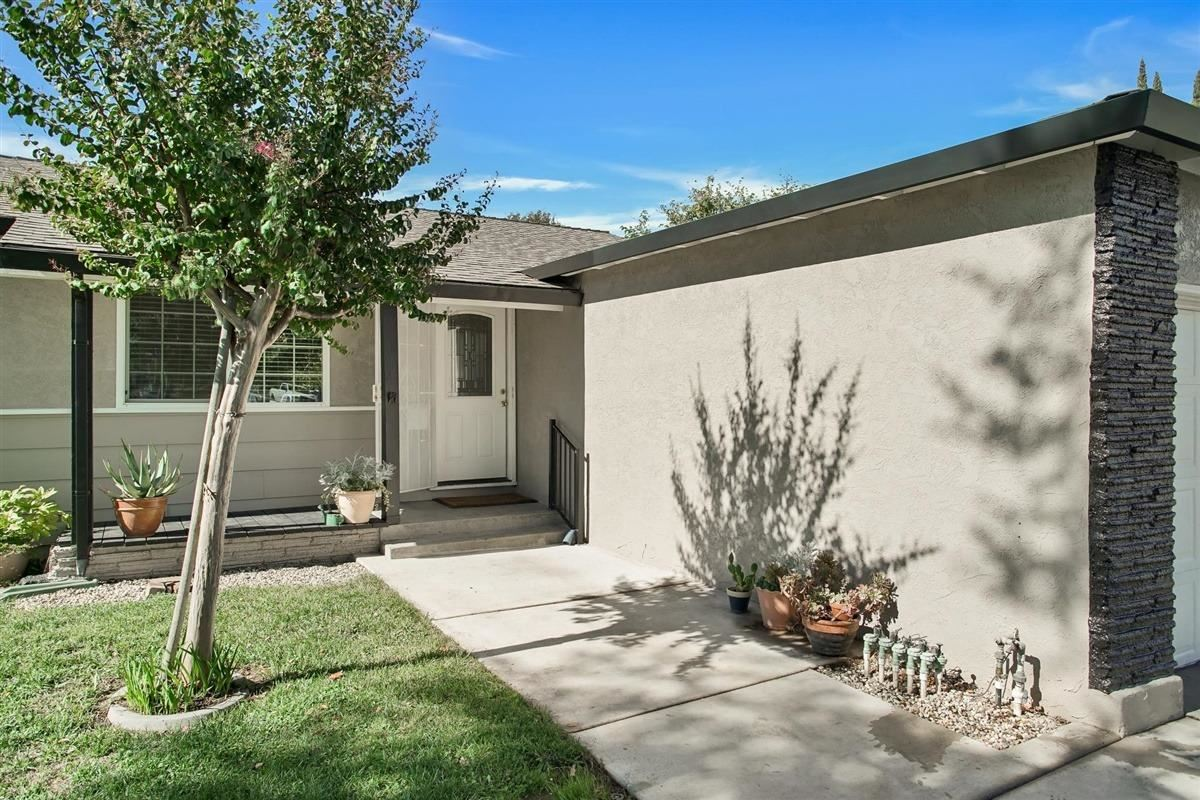 Photo of 7247 Candlelight Way, Citrus Heights, CA 95621 (MLS # 20063548)