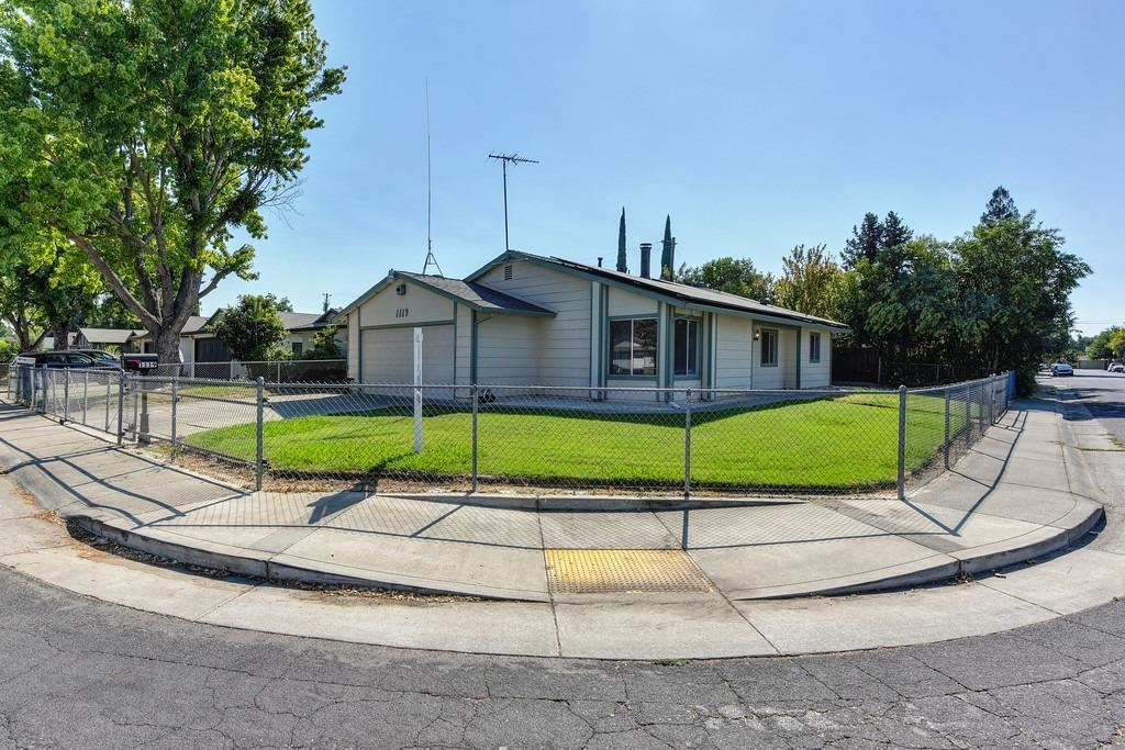 Photo of 1119 Marston Street, West Sacramento, CA 95605 (MLS # 20051557)