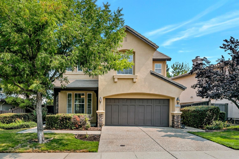 Photo of 1325 Freswick Drive, Folsom, CA 95630 (MLS # 221106565)