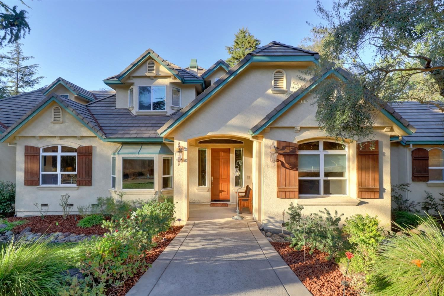 Photo of 4307 New York Avenue, Fair Oaks, CA 95628 (MLS # 20063568)