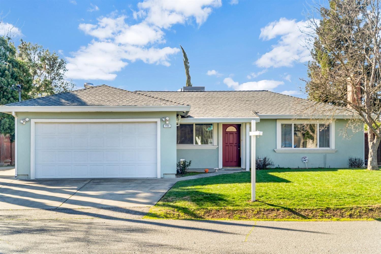 Photo of 7701 Oakwood Lane, Citrus Heights, CA 95621 (MLS # 221011585)
