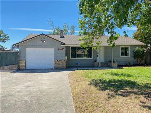 Photo of 2843 Aurora Avenue, Sacramento, CA 95821 (MLS # 221068593)