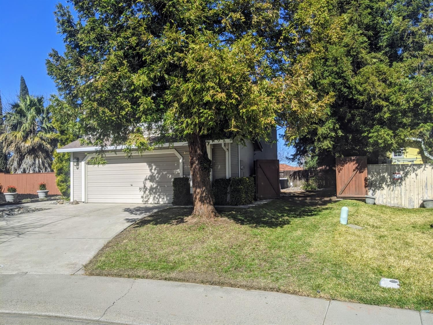 Photo of 4305 Hartlepool Way, Antelope, CA 95843 (MLS # 221010593)