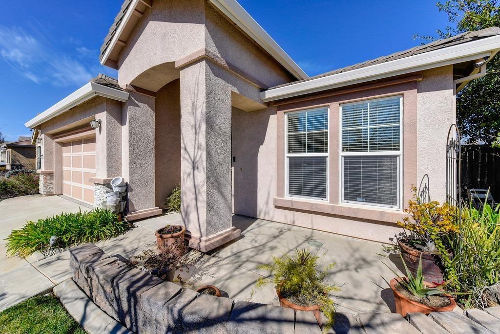 Photo of 12309 Canyonlands Drive, Rancho Cordova, CA 95742 (MLS # 221006598)
