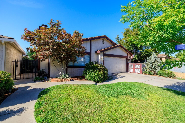 Photo of 828 Union Avenue, Modesto, CA 95356 (MLS # 221051602)