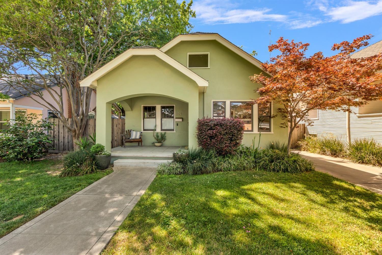 1124 33rd Street, Sacramento, CA 95816 - #: 221058605