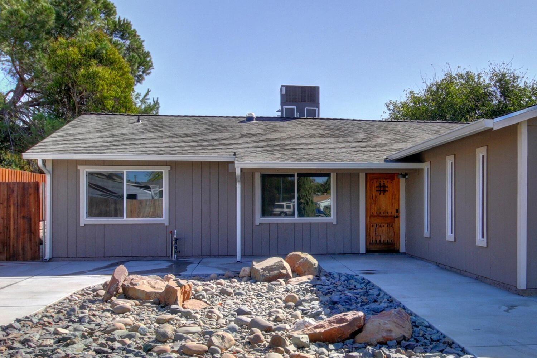 Photo of 208 Willowmere Drive, Folsom, CA 95630 (MLS # 20063609)