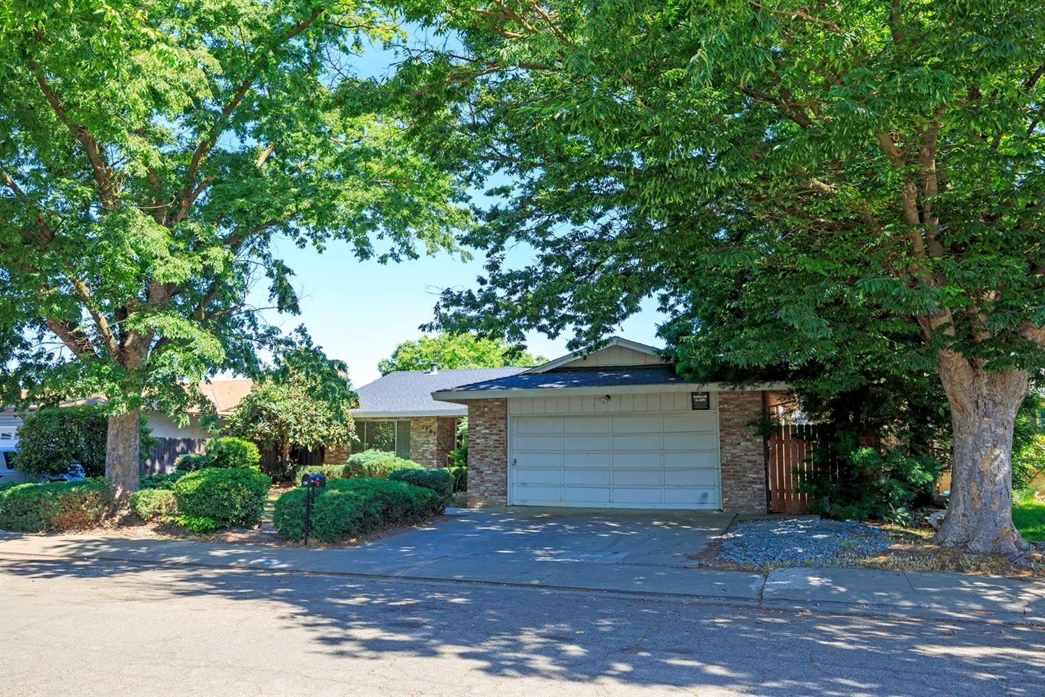 Photo of 1701 Fernandes Street, Modesto, CA 95355 (MLS # 221049610)