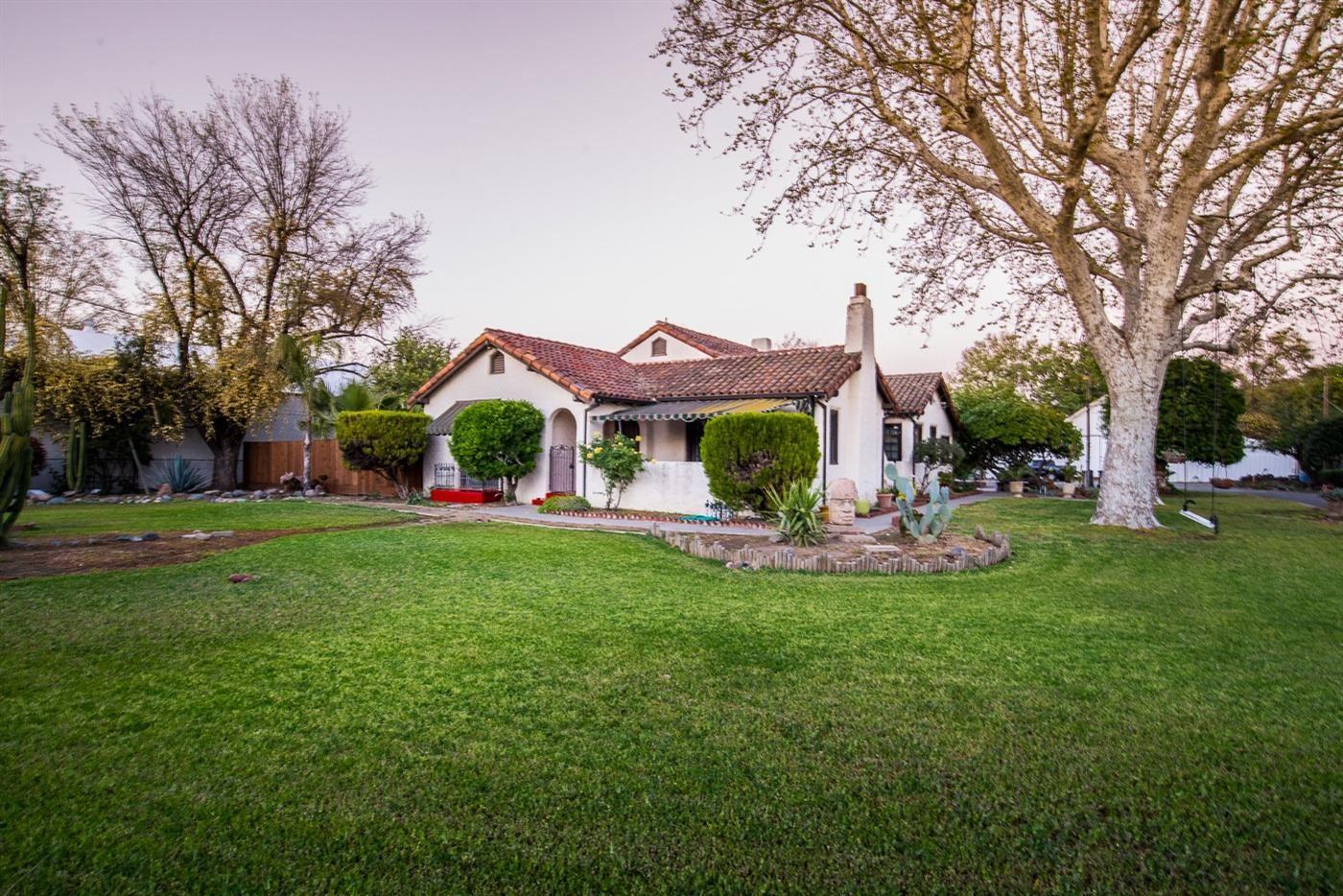 Photo of 125 East Street, Woodland, CA 95776 (MLS # 221049614)