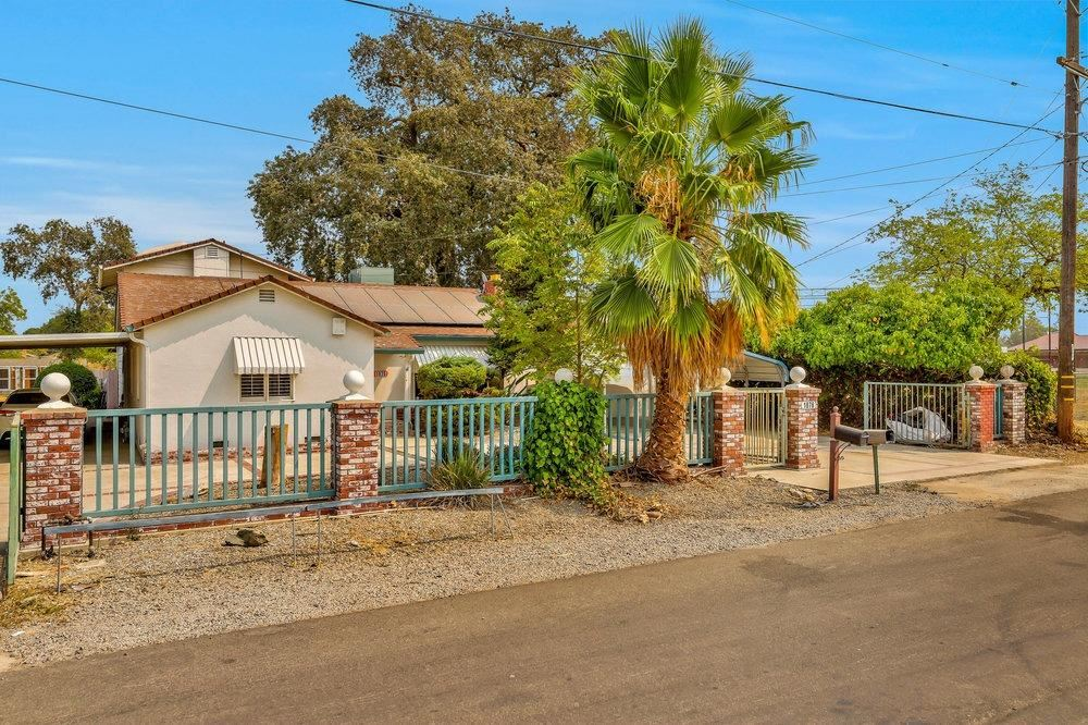 Photo of 1876 Montezuma Street, Stockton, CA 95205 (MLS # 221131616)