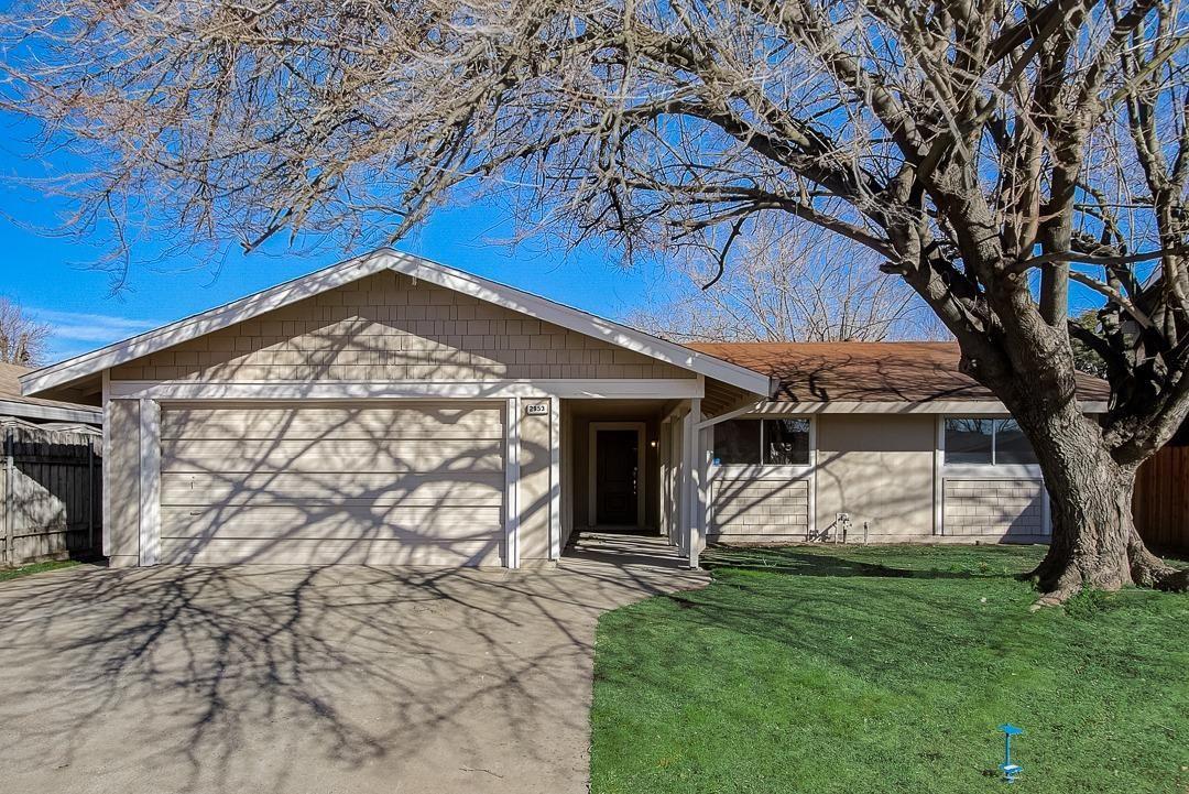 Photo of 2953 Kachina Way, Rancho Cordova, CA 95670 (MLS # 221007619)