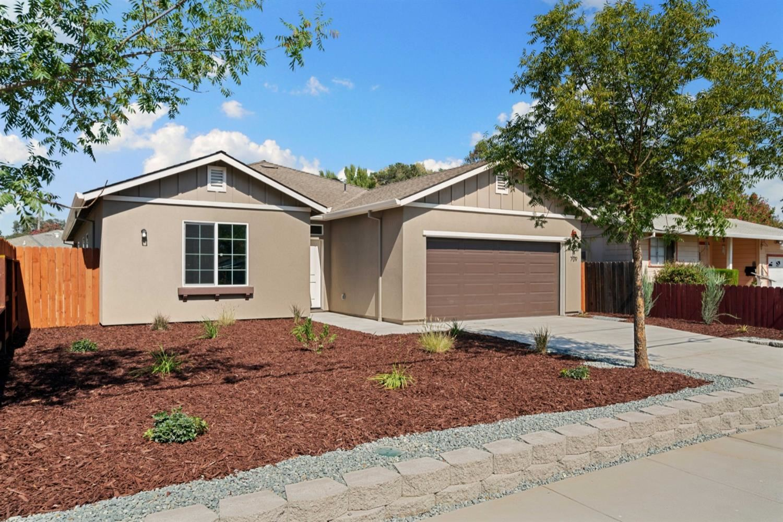 Photo of 709 Hobson Avenue, West Sacramento, CA 95605 (MLS # 221110628)