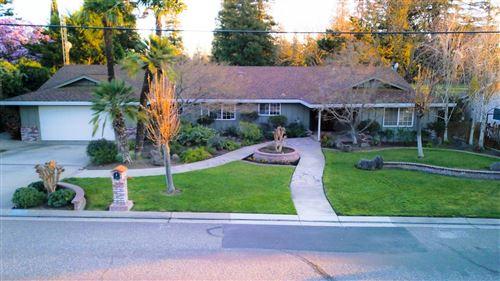 Photo of 2501 Oakhurst Drive, Oakdale, CA 95361 (MLS # 221011630)