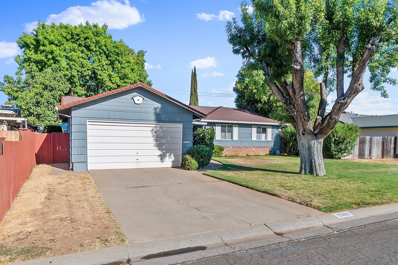 Photo of 2505 Vernaccia Circle, Rancho Cordova, CA 95670 (MLS # 221116631)