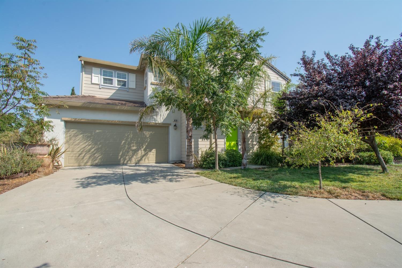 Photo of 3628 Bridgeway Lakes Drive, West Sacramento, CA 95691 (MLS # 221113633)